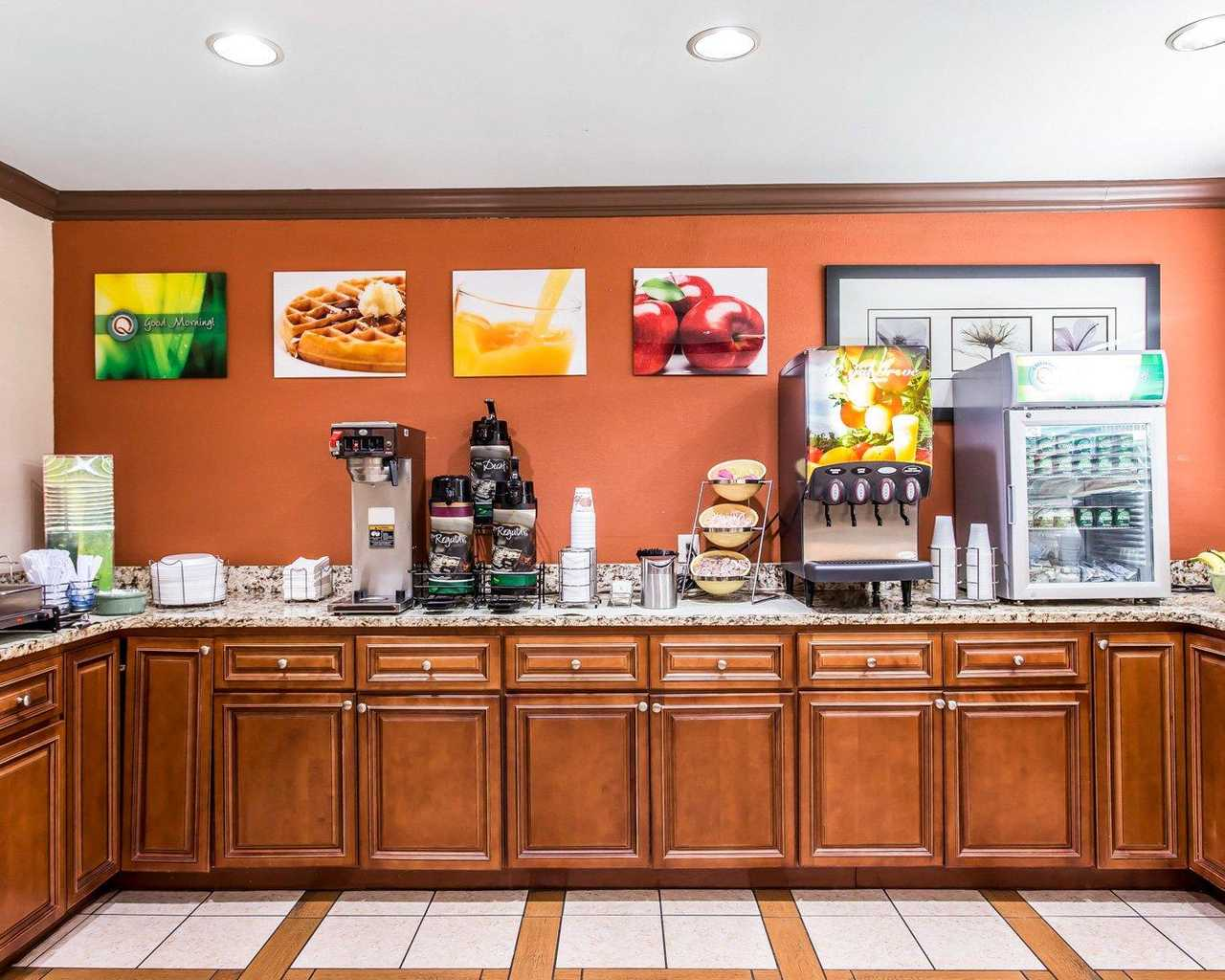 Quality Inn Amp Suites Southlake Morrow Ga Hotel Hotel